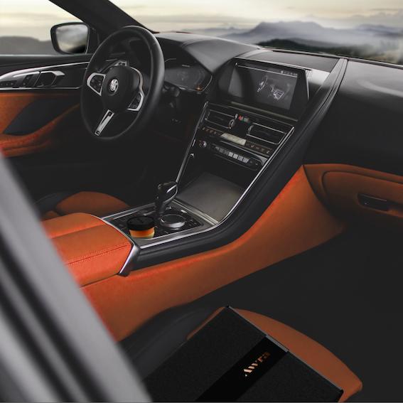 JAX-Branding-Awra-Bistro-Car